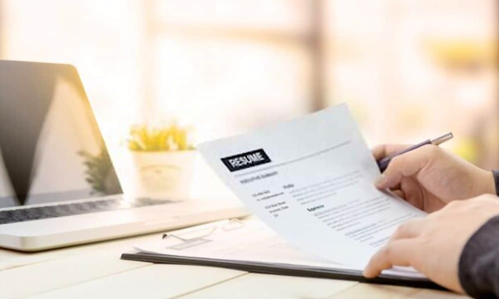 Are Paper Resumes Dead?
